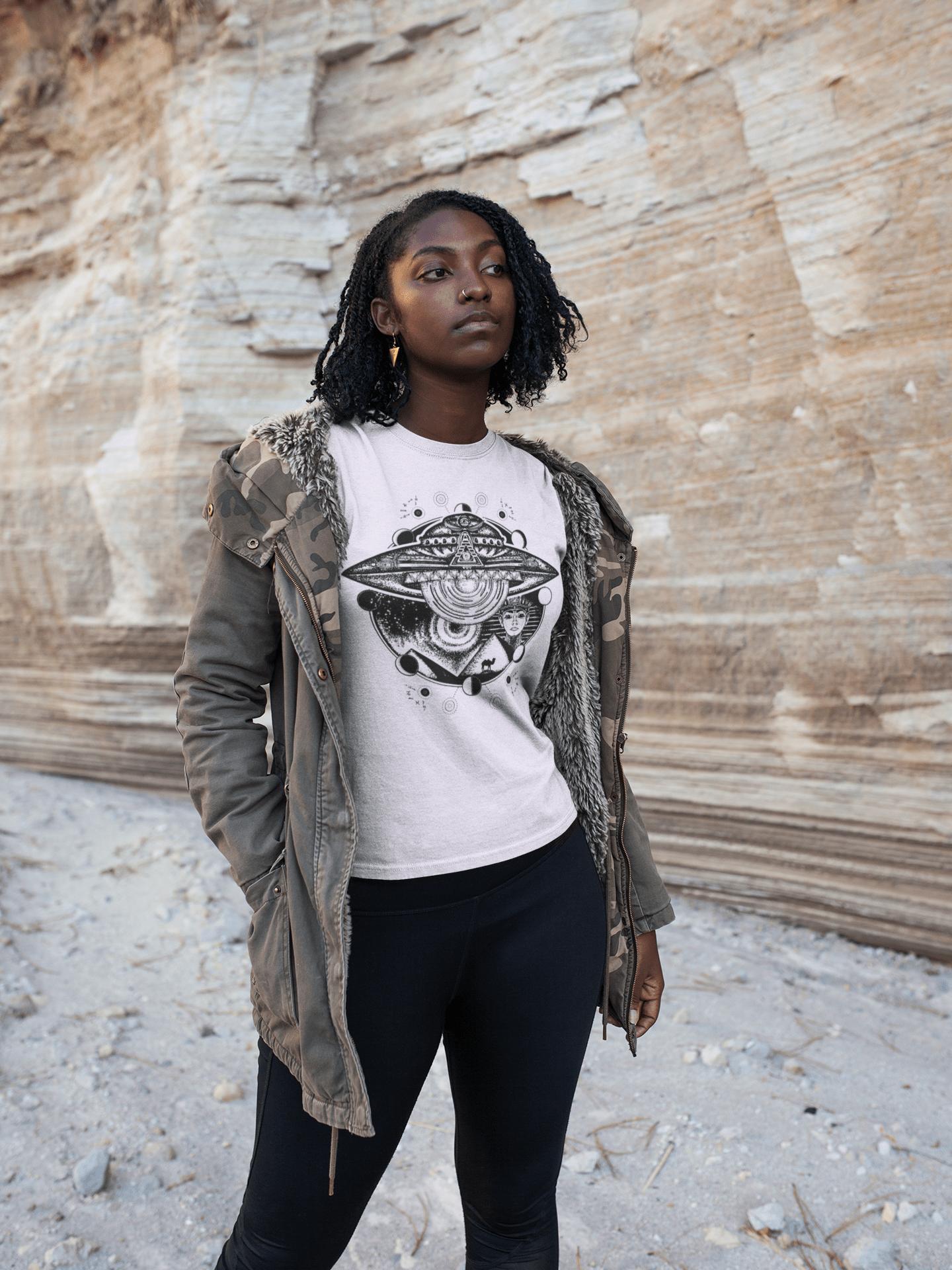 girl-visiting-a-canyon-wearing-a-tshirt-mockup-a18565